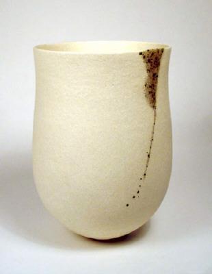 Artist: Jennifer Lee, Title: Pale pot, speckled granite vertical trace, 2004 - click for larger image