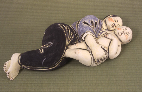 Artist: Akio Takamori, Title: Sleeping Mother and Child, 2003 - click for larger image