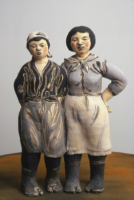 Artist: Akio Takamori, Title: Workers, 2001 - click for larger image