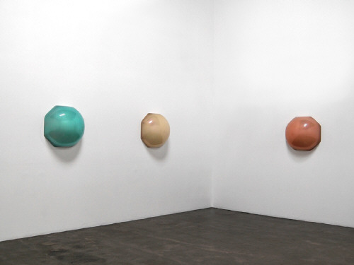 Artist: Craig Kauffman, Title: Installation View (left to right): Pomelo, 2008; Manga, 2008; Dalandan, 2008 - click for larger image