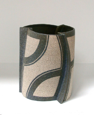 Artist: Gustavo Pérez, Title: Vase (06-238), 2006 - click for larger image