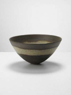 Artist: Jennifer Lee, Title: Olive, granite ring, metallic halos, 2011 - click for larger image