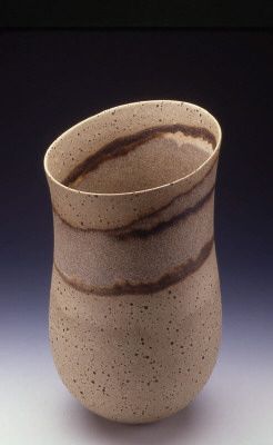 Artist: Jennifer Lee, Title: Speckled pot, haloed granite band, 2002  - click for larger image