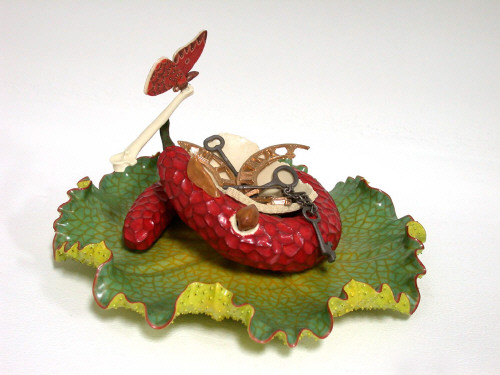 Artist: Keisuke Mizuno, Title: Red Fruit with the Balance, 2004 - click for larger image