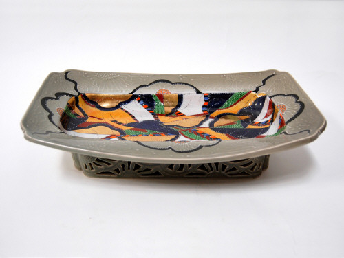 Artist: Ralph Bacerra, Title: Untitled Footed Platter, c. 2000 - click for larger image
