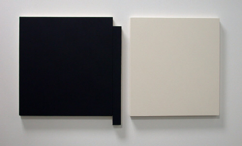 Artist: Scot Heywood, Title: Untitled Black (Blue) and White, 2007 - click for larger image